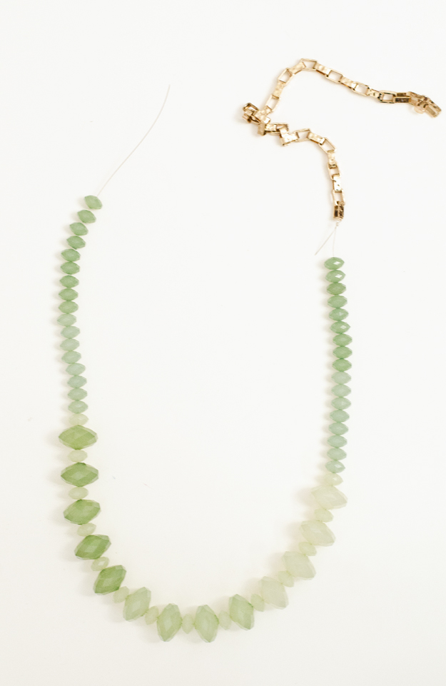 DIY Ombre Necklace :: www.happinessiscreating.com