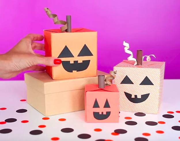 Create festive pumpkins out of the We R Memory Keepers Punch Board!