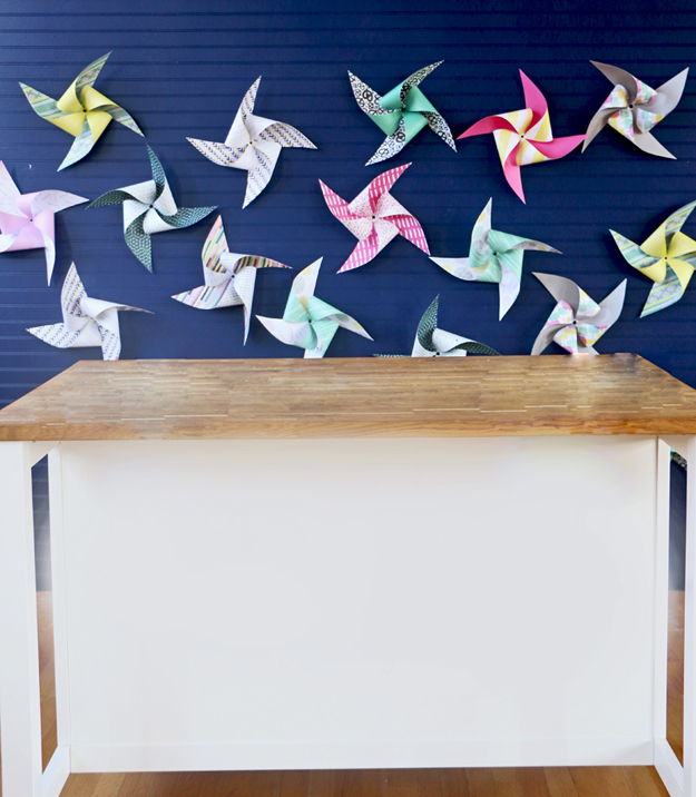http://blitsy.com/blog/diy/make-an-easy-diy-pinwheel-backdrop