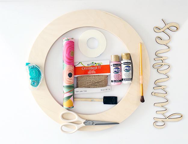 CraftCuts_ModernCustomSpringWreath_Supplies